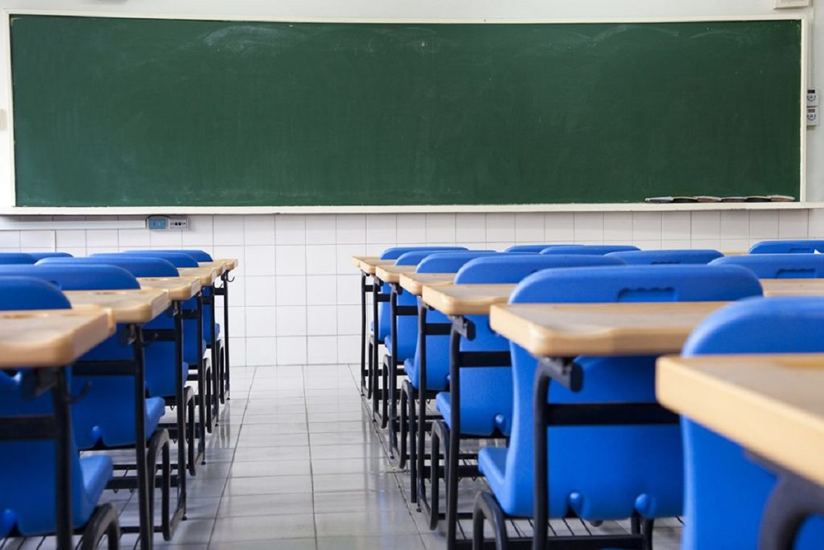 De revezamento a alimentação: as medidas do governo para a volta as aulas